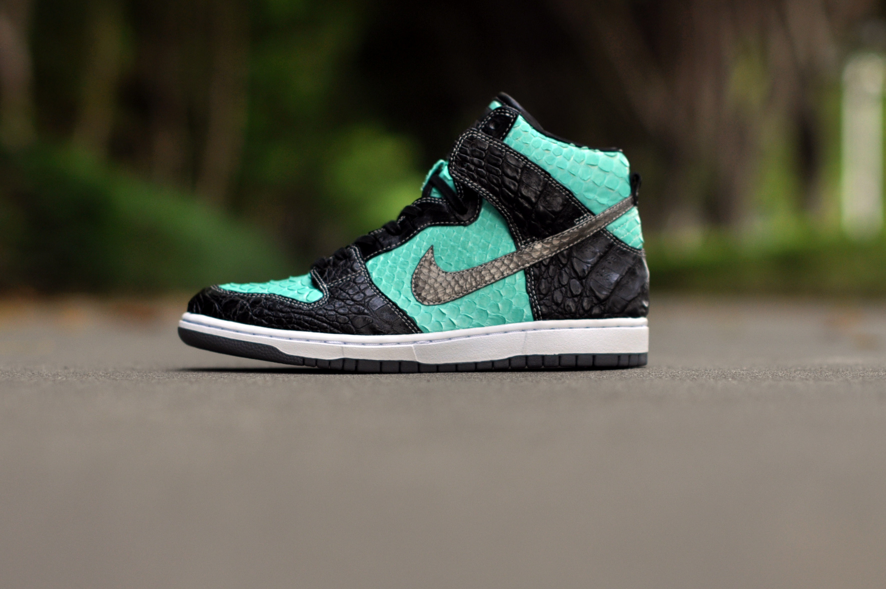 "online retailer 371c3 5a532 Nike Dunk High Premium SB ""Diamond Supply Co"" – The Remade"